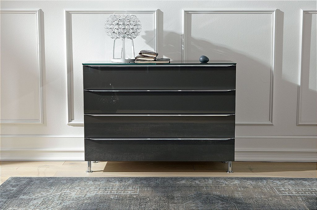 Hulsta metis chest for Sideboard xelo