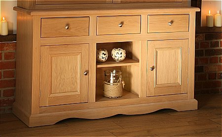 Pelham Sideboard with Shelf