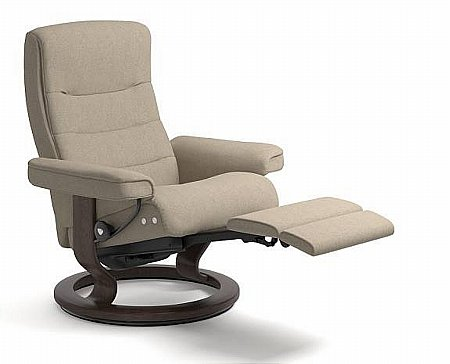 Nordic Leather Recliner with Leg Comfort