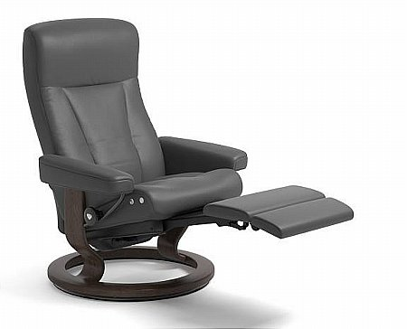 President Leather Recliner with Leg Comfort