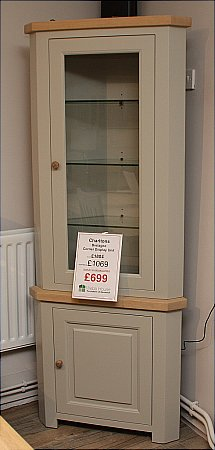 Bretagne Corner Display Unit