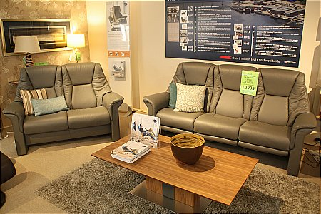 Lux 3/S Sofa with Powered Leg Rest and 2/S Sofa