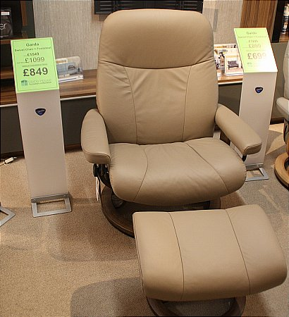 Garda Large Swivel Chair and Footstool