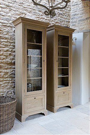Neptune - Henley Narrow Full Height Glazed Oak Cabinet. Click for larger image